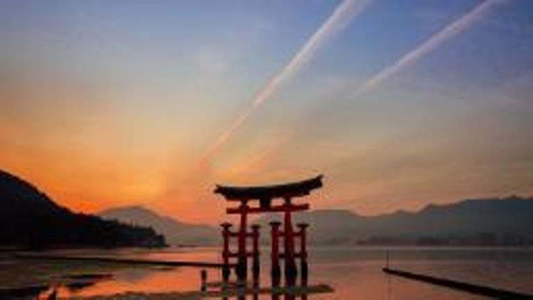 191211092027-miyajima-torii-gate-japan-hp-video