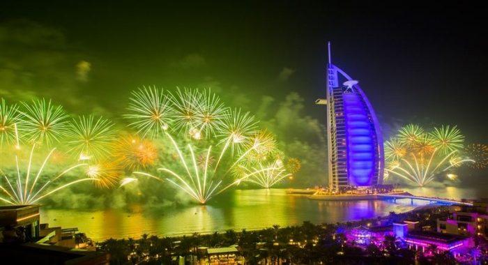 Dubai_-_Fireworks_-_NS-700x467.jpg