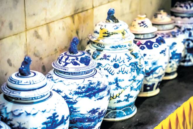 jingdezhen-chinas-porcelain-capital-lures-tourists-with-white-gold